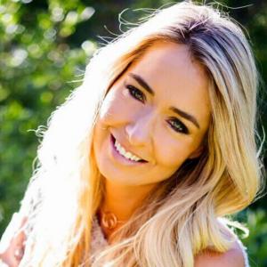 Danette May – Entrepreneur, World-Renowned Motivational Speaker, Author & Fitness Expert